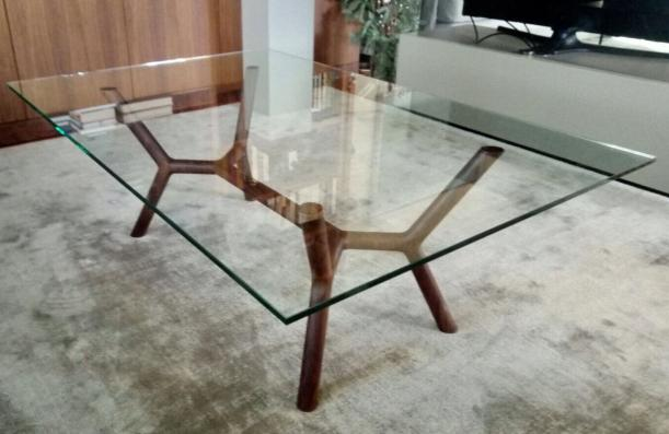 table with structure of Walnut